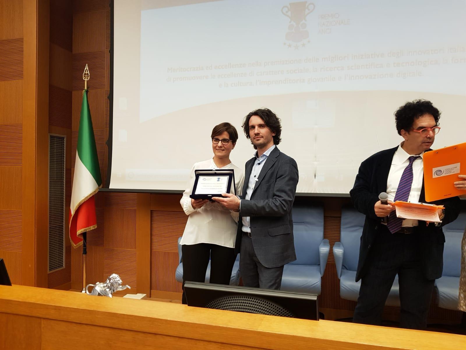 Mariarita costanza ritira il premio angi innovation for Sito della camera dei deputati
